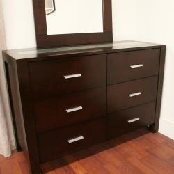 Charles Modern Dark Brown Wood Queen 4-piece Bedroom Set