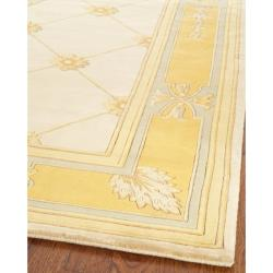Asian Hand-knotted Medallion Ivory/ Gold Wool Rug (8' Square) - Thumbnail 1