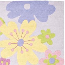 Safavieh Handmade Children's Daisies Violet New Zealand Wool Rug (4' x 6') - Thumbnail 1