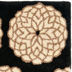 Safavieh Handmade Rodeo Drive Floral Black/ Ivory Wool Rug (2' x 3')