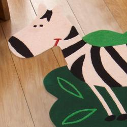 nuLOOM Hand-carved Kids Green Grazing Zebra Pony Wool Rug (3'3 x 4'6)