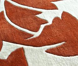 nuLOOM Handmade Pino Rust Floral Fantasy Rug (5' x 8') - Thumbnail 2