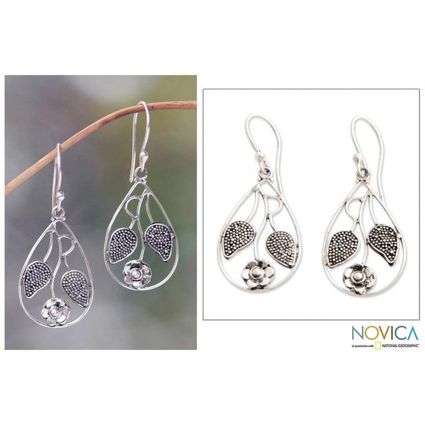 Handmade Sterling Silver 'Denpasar Blossom' Earrings (Indonesia)