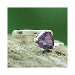 Handmade Sterling Silver 'Scintillating Jaipur' Amethyst Ring (India)