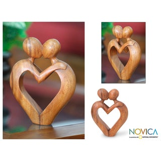 Handmade Suar Wood 'Sweet Love' Sculpture (Indonesia)