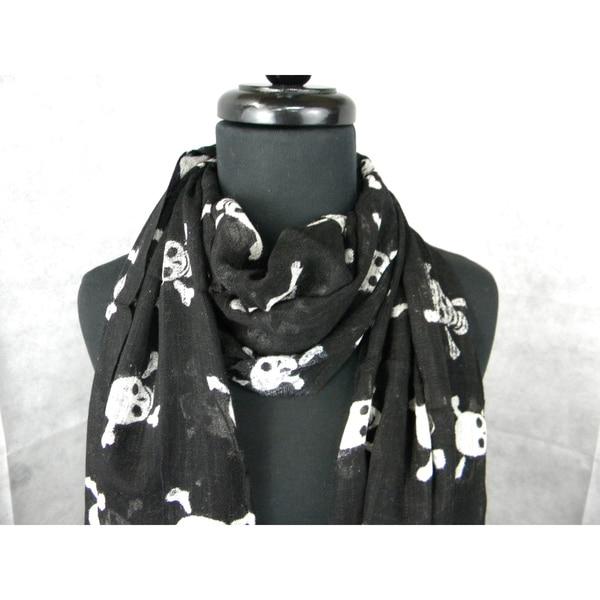 Black Skull And Cross Bones Fashion Scarf