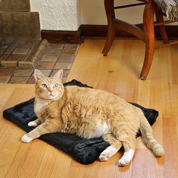 Tiger Dreamz Black Faux Fur Pet Mat