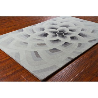 Allie Handmade Floral Grey Wool Rug (5' x 7'6)