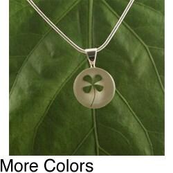 Four-Leaf Clover Round Pendant (Mexico)