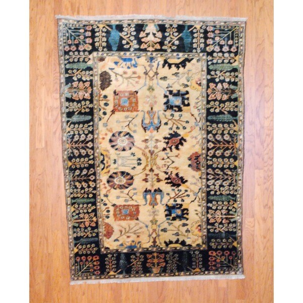 Afghan Hand-knotted Vegetable Dye Beige/ Navy Wool Rug (5'2 x 7'6)