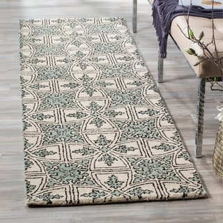 Safavieh Handmade Moroccan Chatham Majestic Light Blue/ Ivory Wool Rug (7' Round)