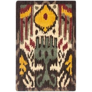 Safavieh Handmade Ikat Cream/ Brown Wool Rug (2' x 3')