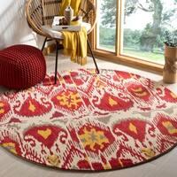 Safavieh Handmade Ikat Ivory/ Red Wool Rug - 6' x 6' Round