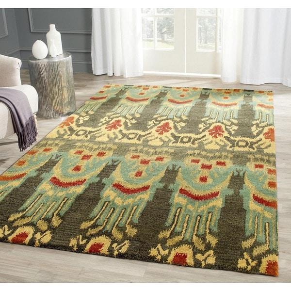 Safavieh Handmade Ikat Olive/ Gold Wool Rug (5' x 8')