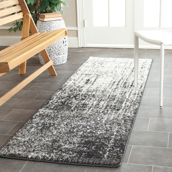 Safavieh Retro Modern Abstract Black/ Grey Rug (2'3 x 7')