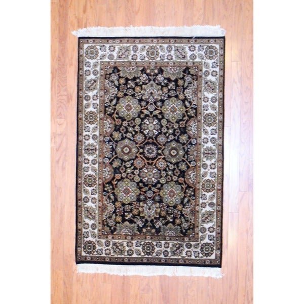 Indo Hand-knotted Mahal Black/ Ivory Wool Rug (4' x 6')