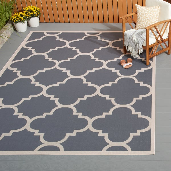 Safavieh Courtyard Quatrefoil Grey/ Beige Indoor/ Outdoor Rug ...