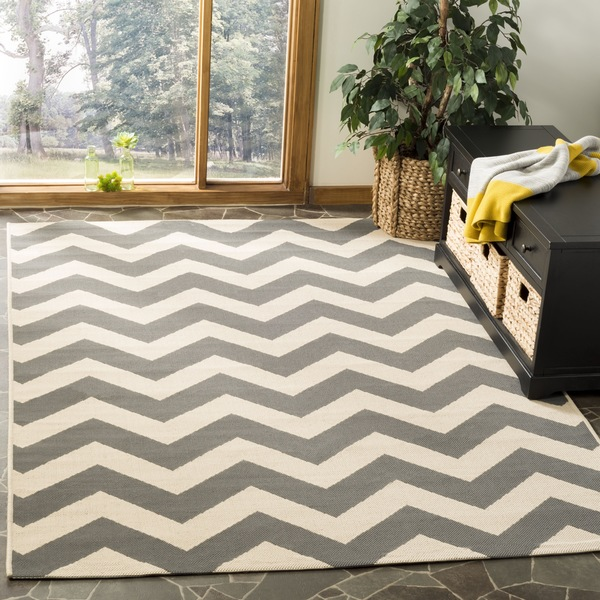 Shop Safavieh Courtyard Chevron Grey Beige Indoor Outdoor Area Rug