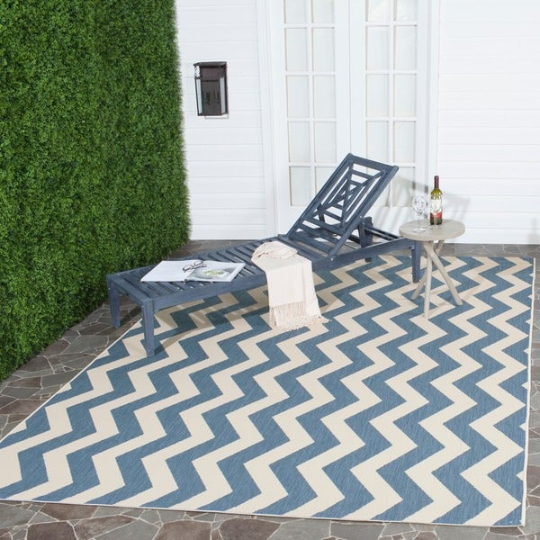 Safavieh Courtyard Zig-Zag Blue/ Beige Indoor/ Outdoor Rug