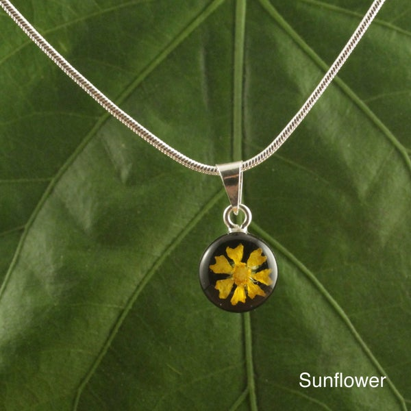 Handmade Sterling Silver Round Floral Pendant (Mexico)