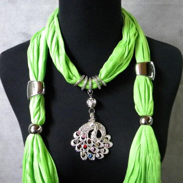 Pea Gree Fashion Jewelry Scarf with Multi-Color Peacock Pendant
