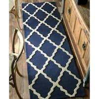 nuLOOM Handmade Alexa Moroccan Trellis Wool Runner Rug (2'6 x 10') - 2'6 x 10'