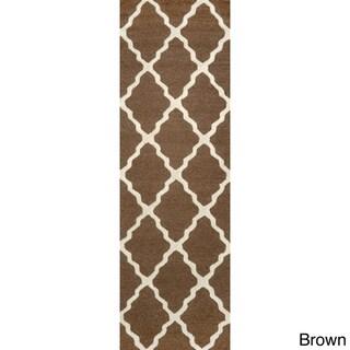 nuLOOM Handmade Alexa Moroccan Trellis Wool Runner Rug (2'6 x 8')