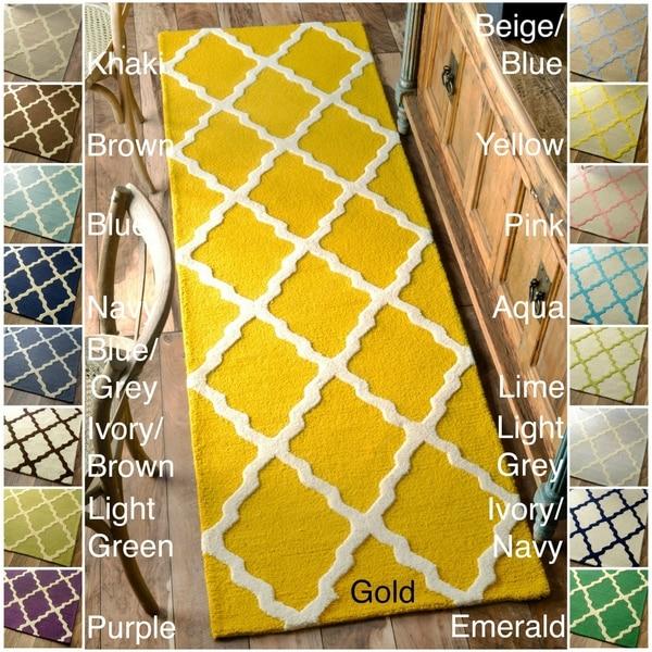 nuLOOM Handmade Alexa Moroccan Trellis Wool Runner Rug (2'6 x 8') - 2'6 x 8'