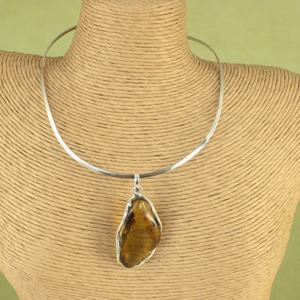 Handcrafted Freeform Cognac Baltic Amber Pendant Choker (Lithuania)