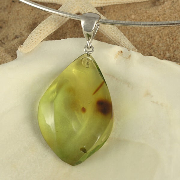Handcrafted Freeform Green Baltic Amber Pendant Necklace (Lithuania)