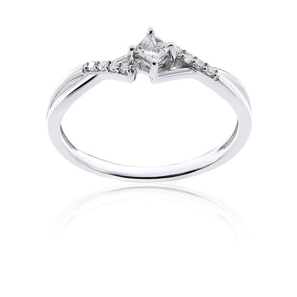 10k White Gold 1/7ct TDW Princess-Cut Overlapping Diamond Engagement Ring by Miadora