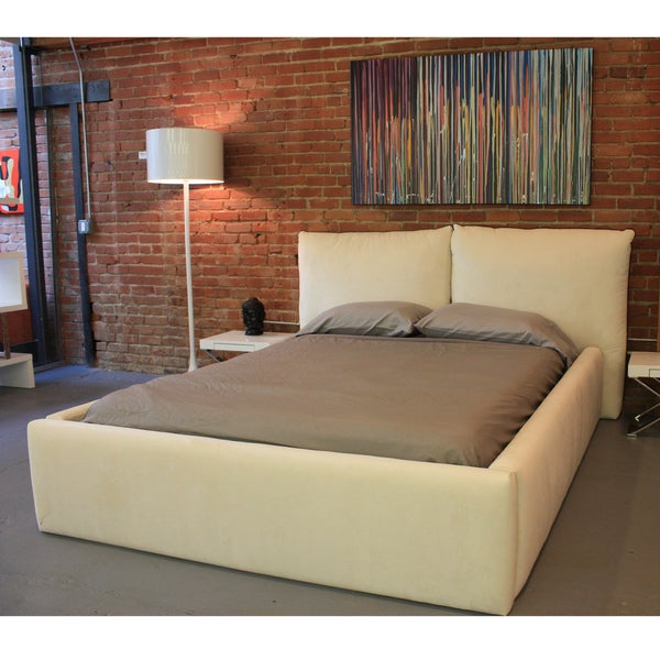 Decenni Custom Furniture 'Cuscino' Off-white Fabric Upholstered Bed