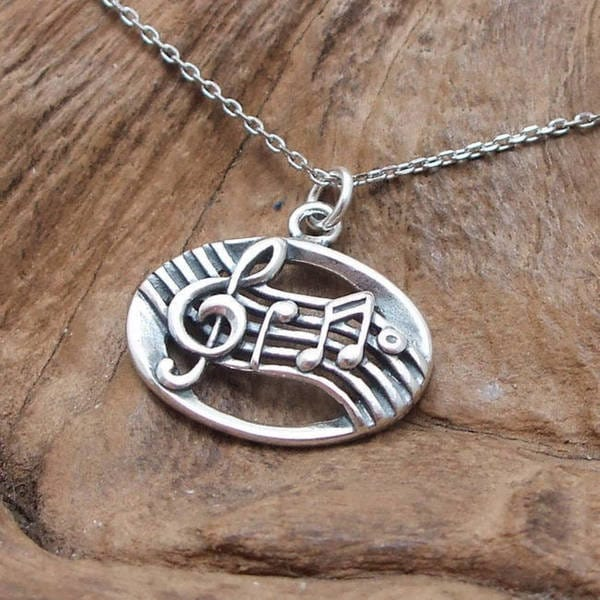 Handmade Musical Notes Oval Link Sterling Silver Necklace (Thailand)