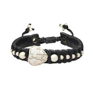 Handmade Enchanted Heart White Howlite Leather Bracelet (Thailand)