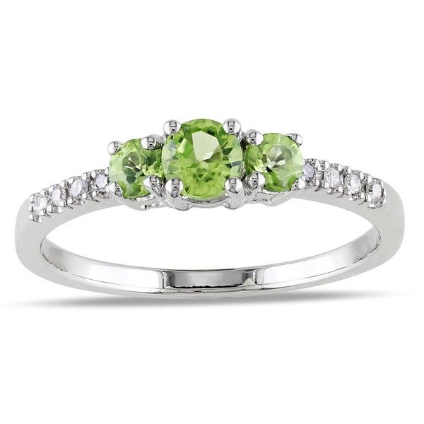 Miadora 10k White Gold Peridot and Diamond Ring (G-H, I1-I2)