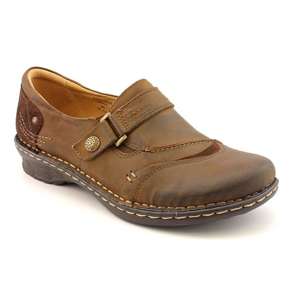 Earth Women's 'Beetlebug' Leather Casual Shoes