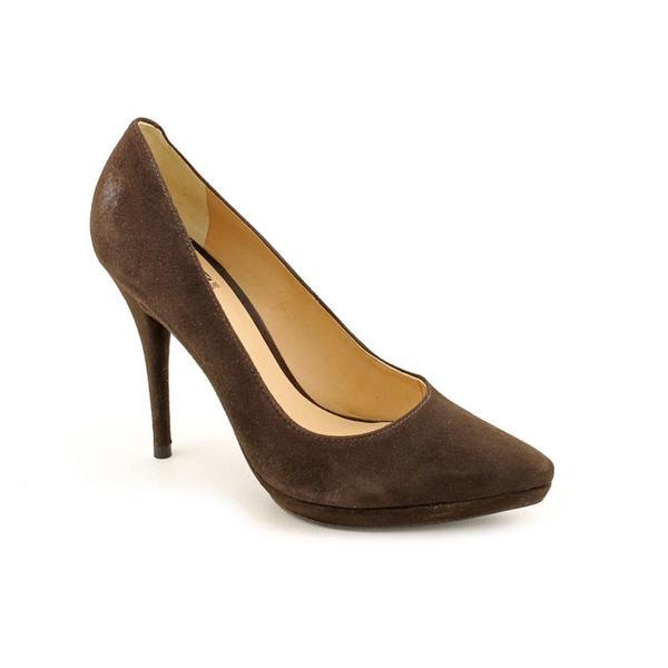 Pour La Victoire Women's 'Daina' Regular Suede Dress Shoes