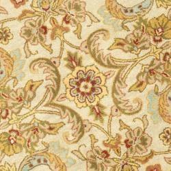 Safavieh Handmade Classic Grey/ Light Gold Wool Rug (6' Round) - Thumbnail 2