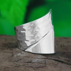 Handmade Sterling Silver Asymmetrical Dual-texture Ring (Mexico)
