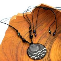 Cotton and Fused Glass Black/ White Wavy Disk Necklace (Chile) - Thumbnail 1