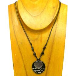 Cotton and Fused Glass Black/ White Wavy Disk Necklace (Chile) - Thumbnail 2