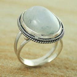 Sterling Silver Rainbow Moonstone Oval Split Shank Ring (Indonesia)