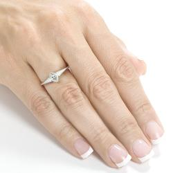 Annello by Kobelli 10k White Gold 1/3ct TDW Diamond Solitaire Bezel Ring (H-I, SI1-SI2)