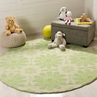 Safavieh Handmade Children's Daisies Green New Zealand Wool Rug - 6' x 6' Round