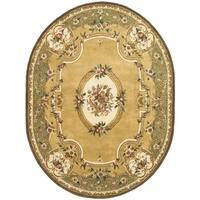 "Safavieh Handmade Classic Light Gold/ Green Oval Wool Rug - 7'6"" x 9'6"" Oval"