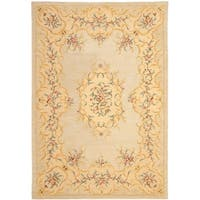 "Safavieh Handmade French Bouquet Light Green/ Beige Wool Rug - 9'-6"" x 13'-6"""