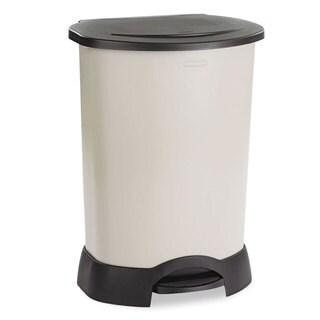 Rubbermaid 30-gallon Light Platinum Step-on Plastic Container