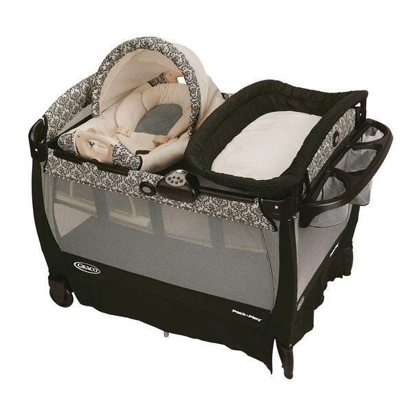 Graco Cuddle Cove Pack 'n Play Playard with Newborn Rocker and Changer in Rittenhouse