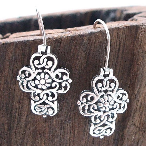 Handmade Filigree Swirl Cross Flower Sterling Silver Earrings (Thailand)