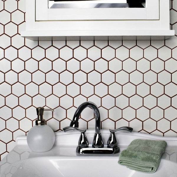 SomerTile 10.5 x 11-inch Victorian Hex Matte White Porcelain Mosaic Wall Tile (Case of 10)